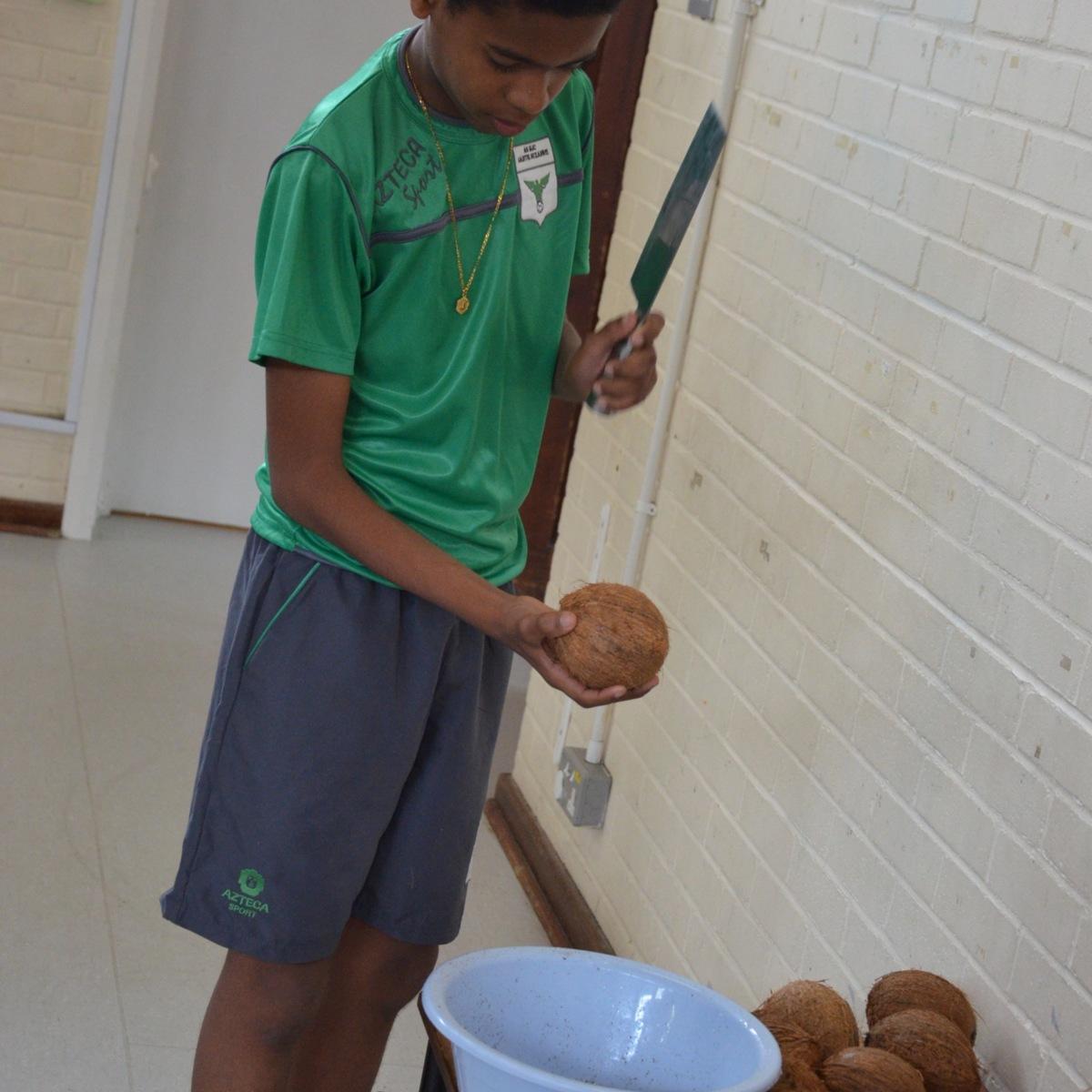 Coconut cracking 2